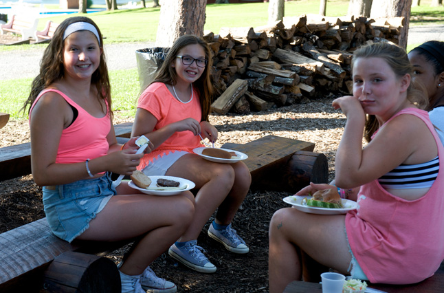 Nutritional guidance at our summer fitness camp in the Pocono Mountains by registered dieticians, at Camp Pocono Trails